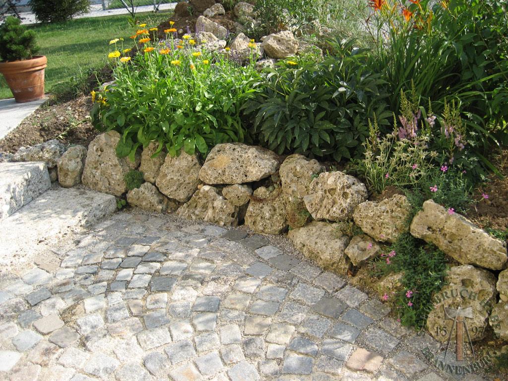 steinbruch huber steine f r gartenmauern aus granit. Black Bedroom Furniture Sets. Home Design Ideas